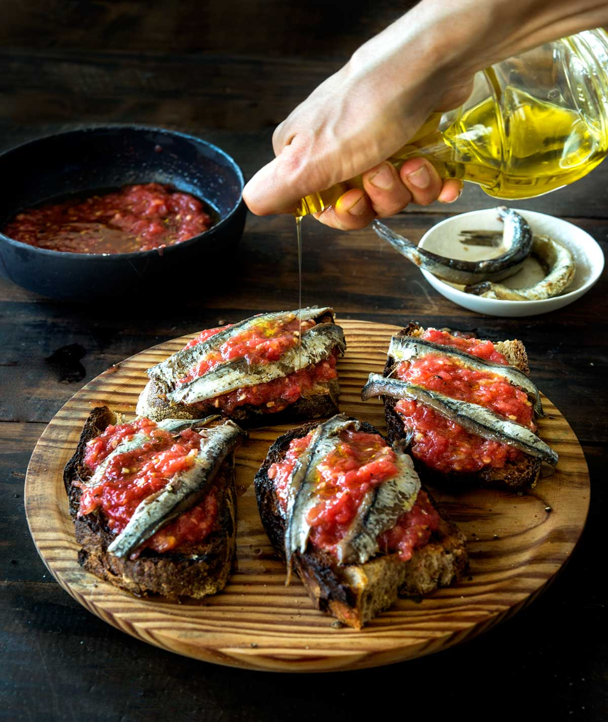 Pan con Tomate with Anchovies Recipe